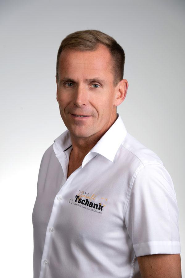 Mst. Gerald Tschank